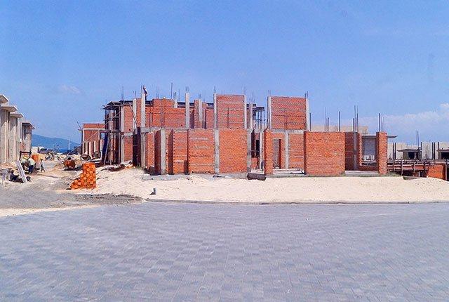 Công tác thi công xây tường khu K