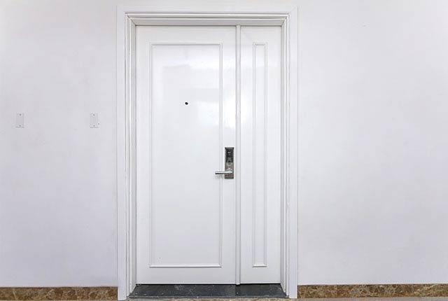 Hoàn thành lắp đặt cửa căn hộ Block A, B, C