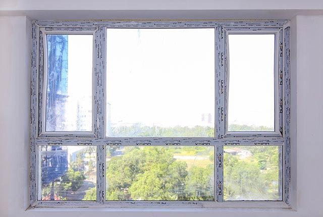 Lắp đặt cửa sổ phòng ngủ căn hộ tầng 6 - 20 block Central