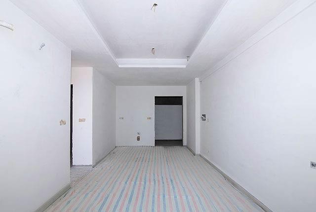 Hoàn thành sơn lót căn hộ tầng 6 - 25 block Central