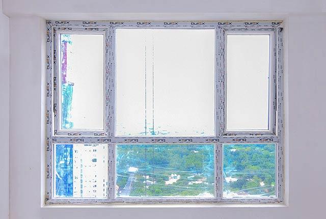 Lắp đặt cửa sổ phòng ngủ căn hộ tầng 20 block Central
