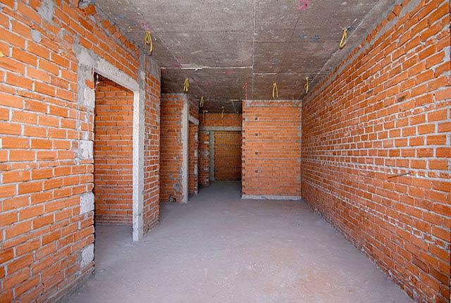 Tiếp tục xây tường bao căn hộ từ tầng 5 đến tầng 22 block Glory