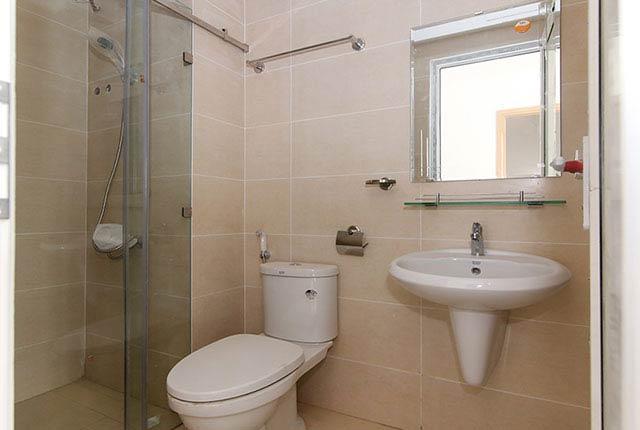 Lắp đặt thiết bị vệ sinh căn hộ tầng 5 - 20 block B