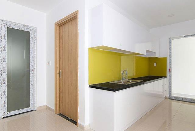 Tiếp tục lắp đặt tủ bếp căn hộ tầng 5 - 20 block A
