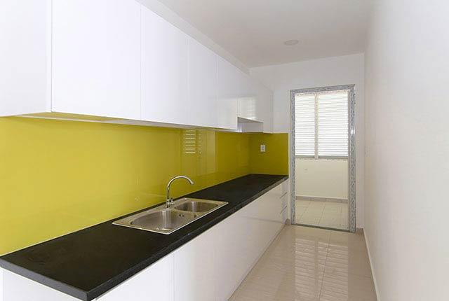 Tiếp tục lắp đặt tủ bếp căn hộ tầng 5 - 20 block B
