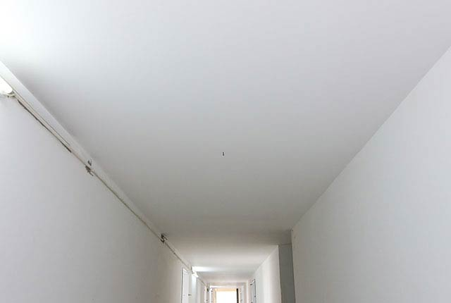 Tiếp tục thi công trần thạch cao hành lang tầng 5 - 26 block Central