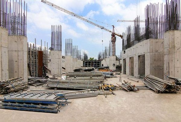 Hoàn thành đổ bê tông tường và cột tầng hầm Block B