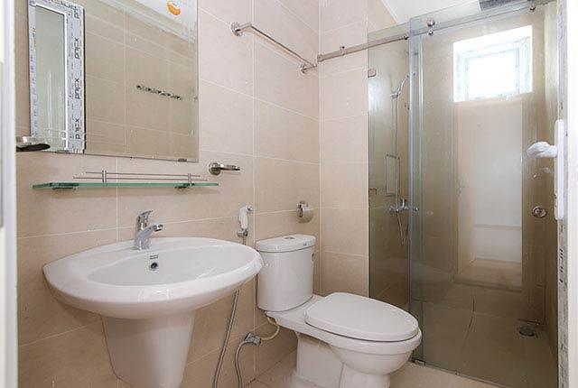 Lắp đặt thiết bị vệ sinh căn hộ tầng 5 - 19 block A