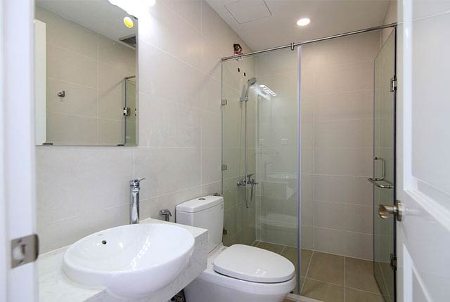 Lắp đặt thiết bị WC căn hộ tầng 5 - 20 block Southern