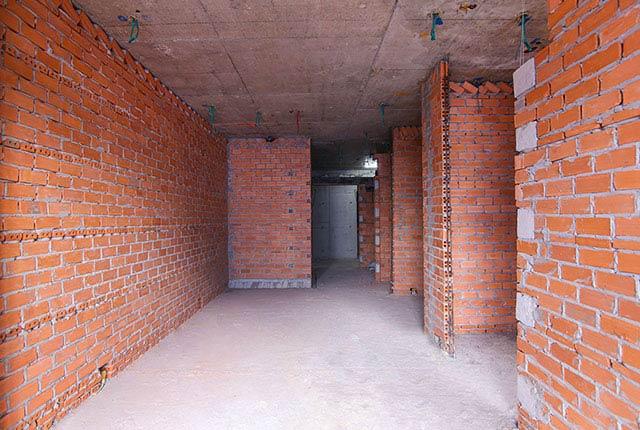 Xây tường bao căn hộ từ tầng 5 đến tầng 7 block Lucky