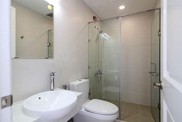 Lắp đặt thiết bị WC căn hộ tầng 5 - 21 block Northern