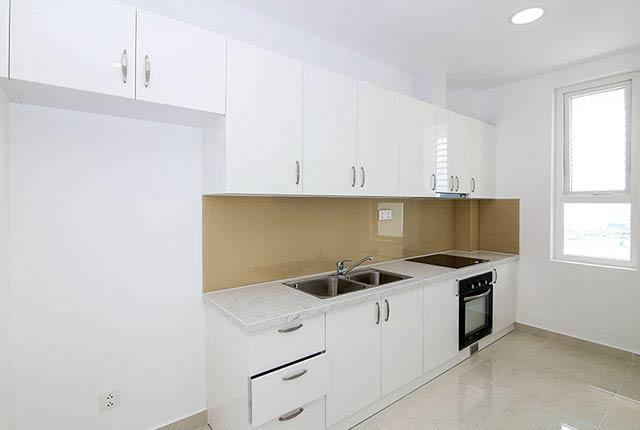 Tiếp tục lắp đặt thiết bị bếp căn hộ tầng 5 - 21 block Southern