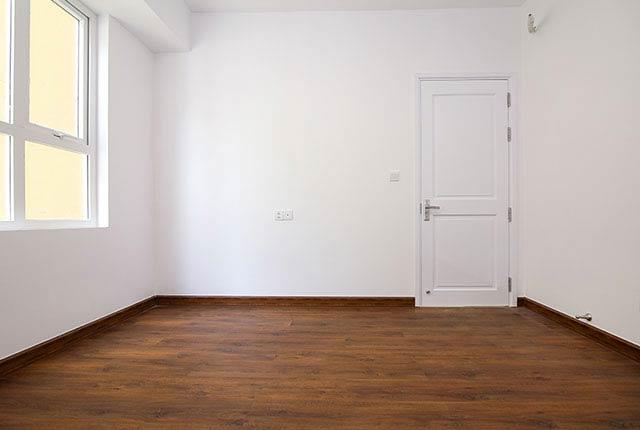 Lát sàn gỗ phòng ngủ căn hộ tầng 5 - 20 block Central