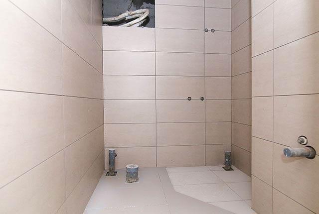 Ốp lát WC từ tầng 6 đến tầng 9 block Glory