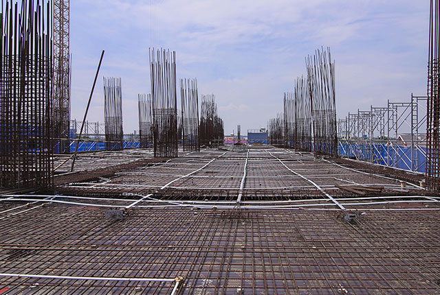 Thi công cốt thép sàn tầng 4 Block B và Block C
