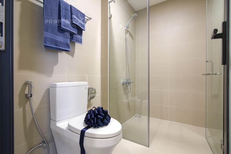 Phòng vệ sinh nhà mẫu Quy Nhơn Melody