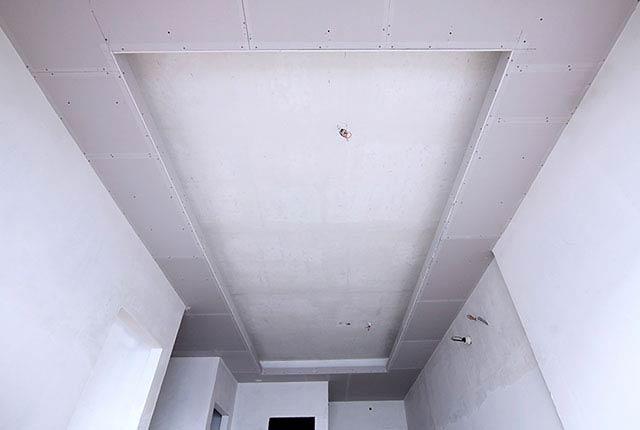 Công tác thi công khung xương trần thạch cao căn hộ tầng 18 block B