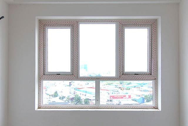 Thi công lắp đặt cửa sổ căn hộ tầng 10 block B