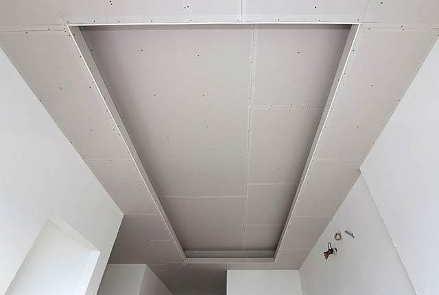 Công tác thi công khung xương trần thạch cao căn hộ tầng 20 block A