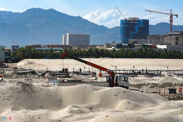 Công trường dự án Bãi Dài đang hình thành