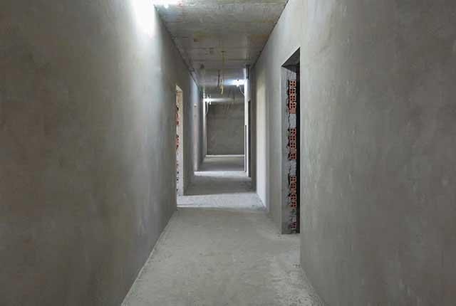 Thi công tô tường hành lang căn hộ tầng 5 - 18 block B2
