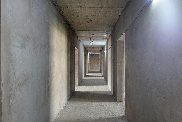 Hoàn thành tô tường hành lang căn hộ block A1