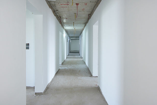 Thi công bả sơn matit hành lang căn hộ tầng 21 - 22 block B1