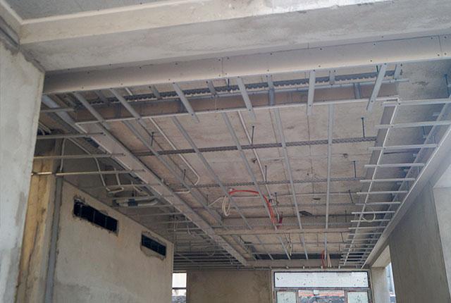 Công tác thi công khung xương trần thạch cao căn biệt thự khu H