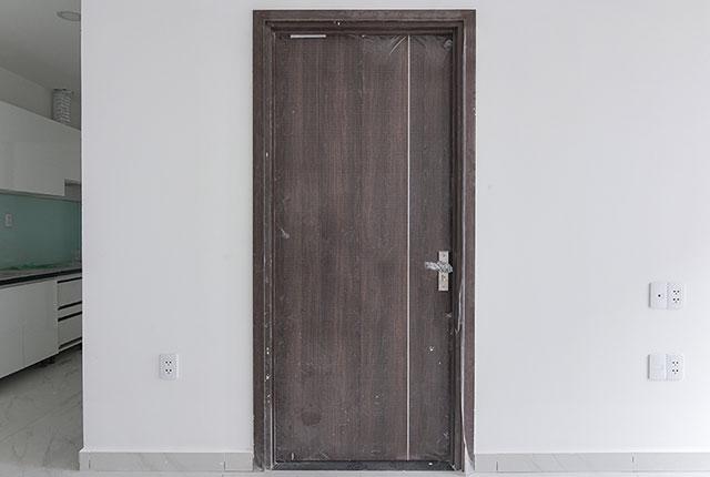 Lắp đặt cửa phòng ngủ từ tầng 6 đến tầng 11 block Lucky và block Riches