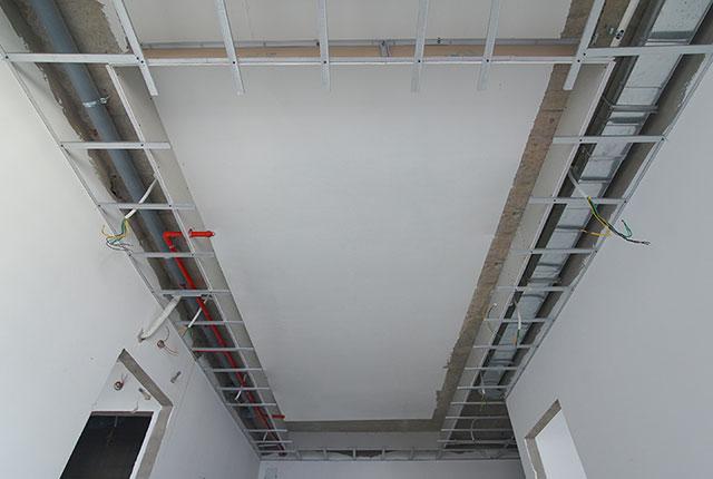 Thi công khung trần thạch cao tầng 12 - 21 block B1