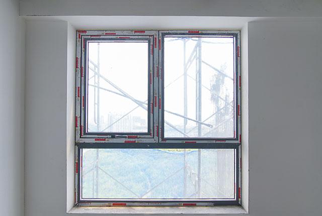 Thi công lắp đặt cửa sổ tầng 5 - 22 block A1