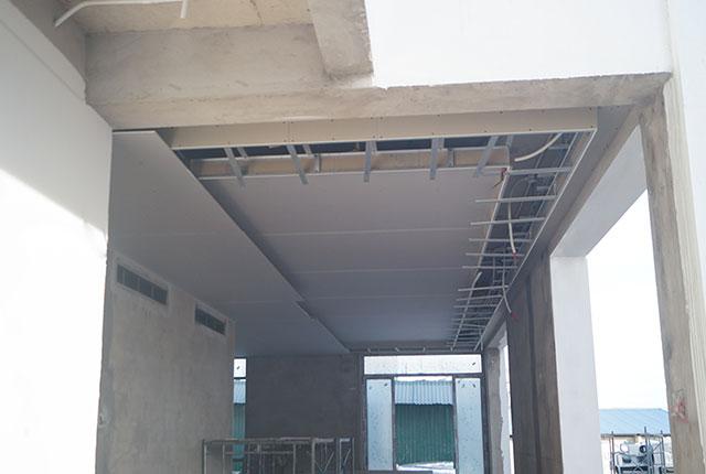 Công tác thi công trần thạch cao căn biệt thự khu B