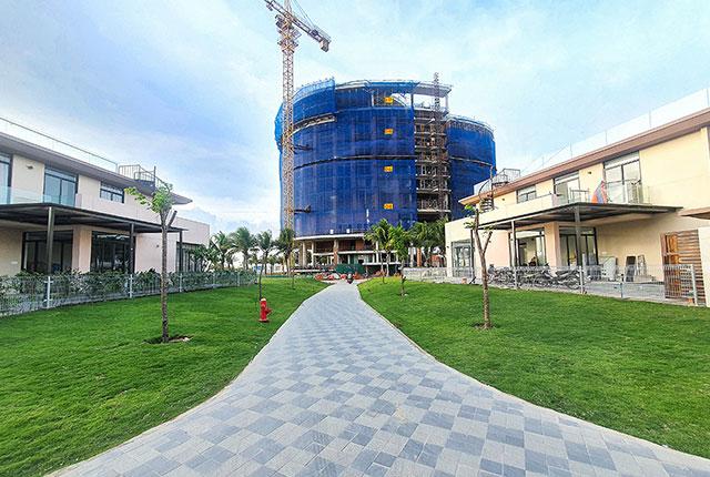 Hình ảnh tổng quan khách sạn dự án đang trong quá trình xây dựng